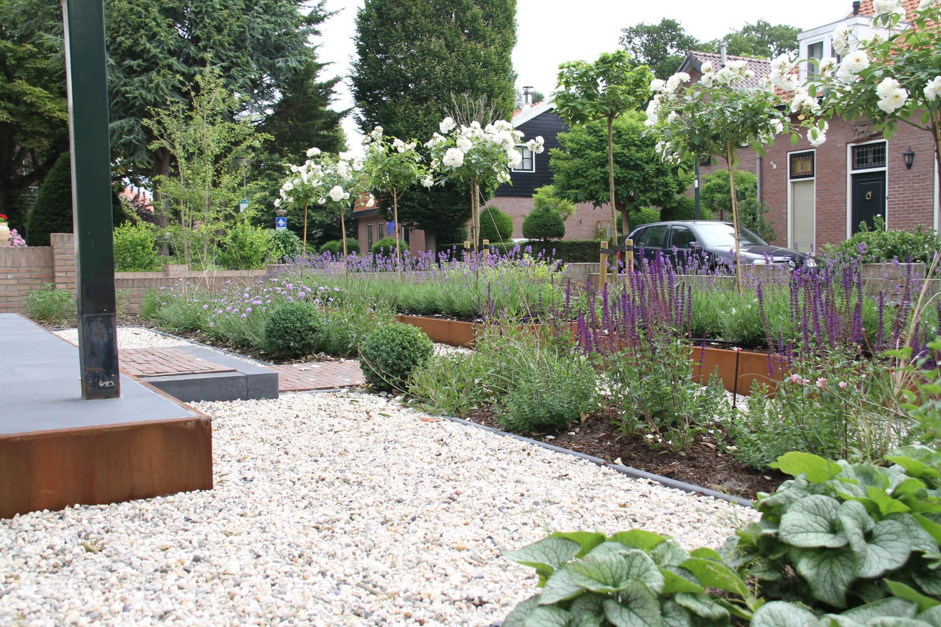 Franse tuinen voorbeelden tuin van versailles beroemd for Kleine voortuin aanleggen